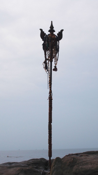 North Goa -  Vagator Beach. Ritual pole near Shivas Face.JPG