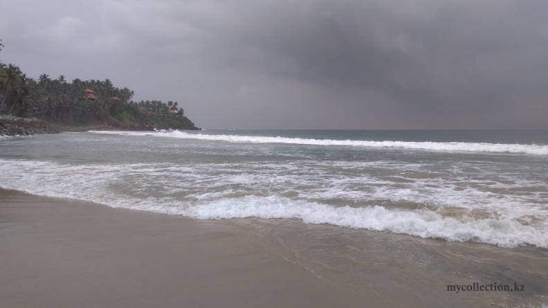 India Kerala Varkala - Thiruvambadi Beach 2017.jpg